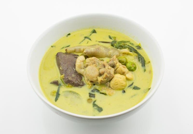 Зеленое карри с цыпленком (тайская еда) стоковое изображение