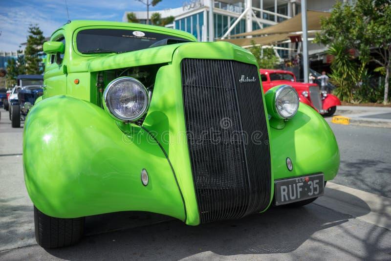 Зеленое hotrod Форда стоковые изображения rf