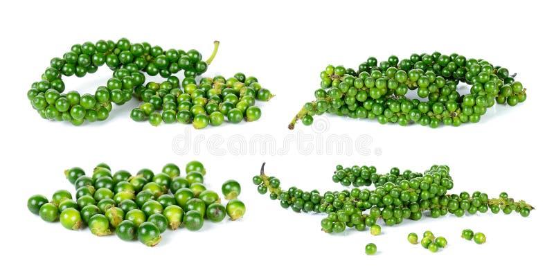 Зеленые перчинки изолированные на белой предпосылке стоковое изображение rf