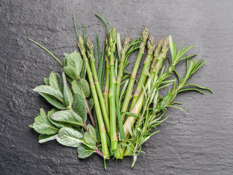 зеленые травы стоковое изображение rf