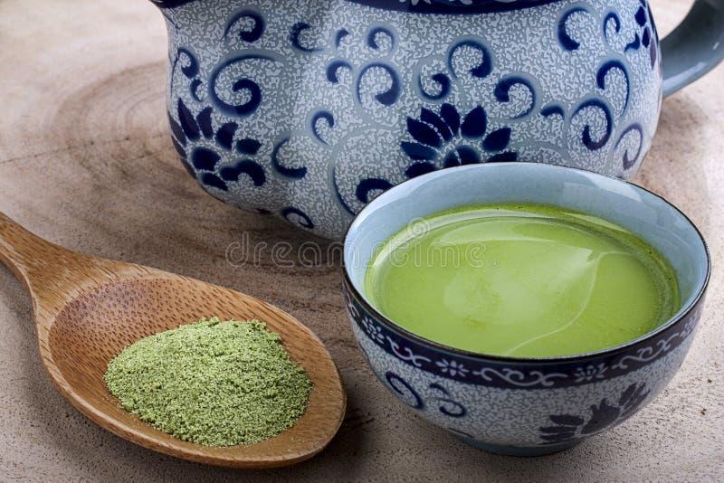 зеленый горячий чай стоковые изображения