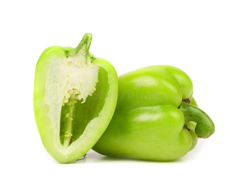 Зеленый изолированный болгарский перец стоковые изображения rf
