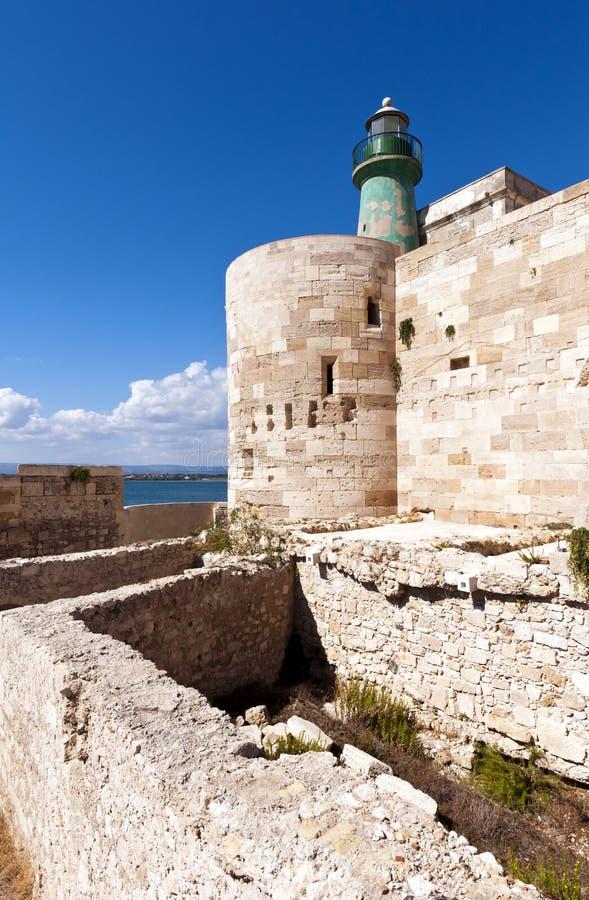 Зеленый маяк (Castello Maniace в Сиракузе, Ortygia, Сицилии) стоковое фото rf