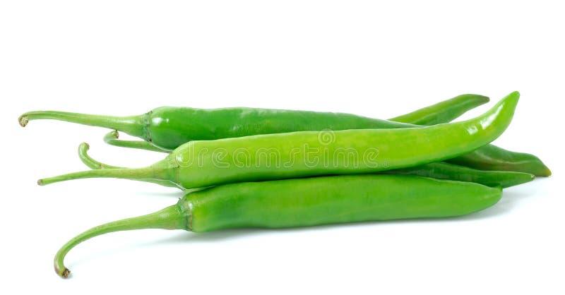 Зеленый перец горячего chili на белой предпосылке стоковые изображения