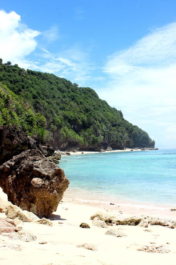 Зеленый пляж шара стоковые изображения rf