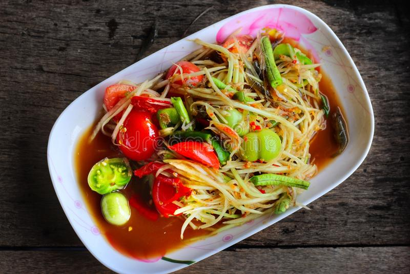 Зеленый салат папапайи стоковое изображение