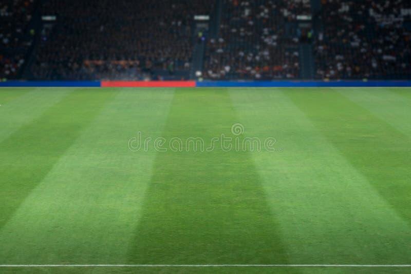Зеленый футбольный стадион стоковая фотография rf