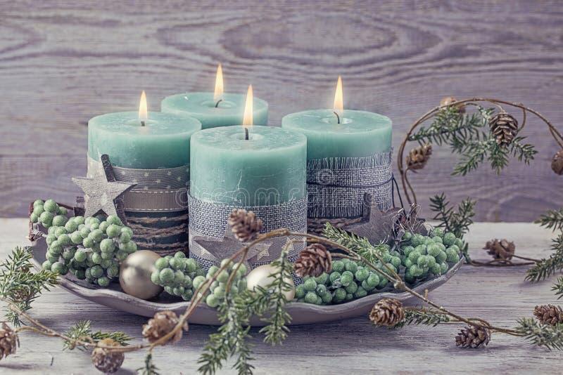 4 зеленых свечи рождества стоковые фото