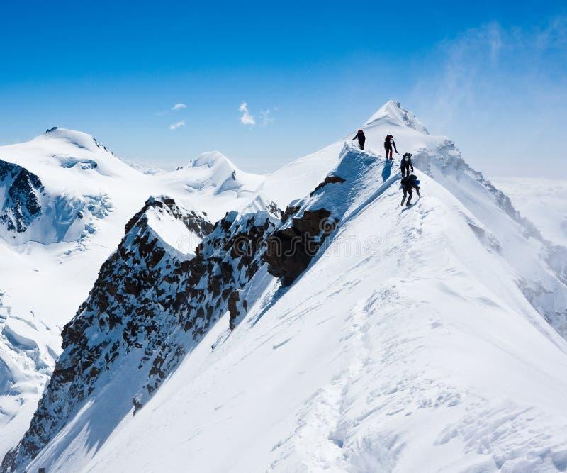 зига альпинистов узкая стоковая фотография rf