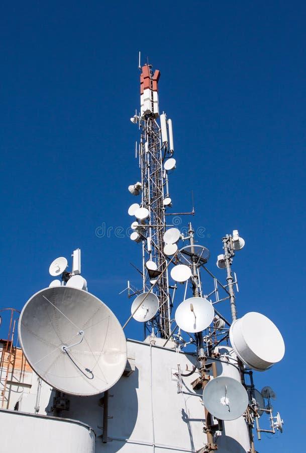 зима башни радиосвязи ночи moscow dmitrov города зоны стоковое изображение rf