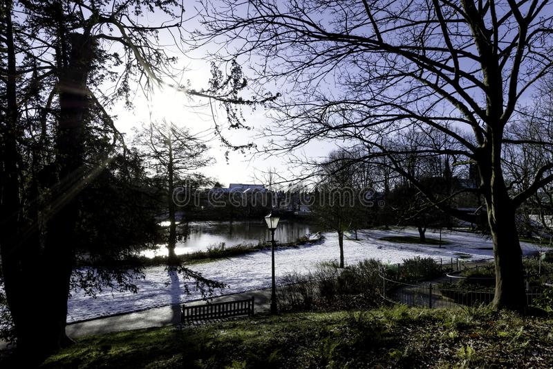 Зима в королевском курорте Leamington - насосном отделении/садах Jephson стоковое изображение rf