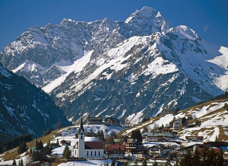 зима горного села стоковые фотографии rf
