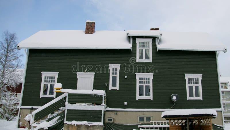 зима дома старая стоковые фото