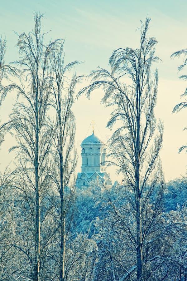 Download зима ландшафта христианской церков правоверная Стоковое Фото - изображение насчитывающей холм, строя: 18387974