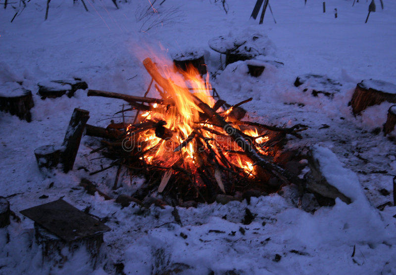 зима пожара лагеря Стоковые Фотографии RF