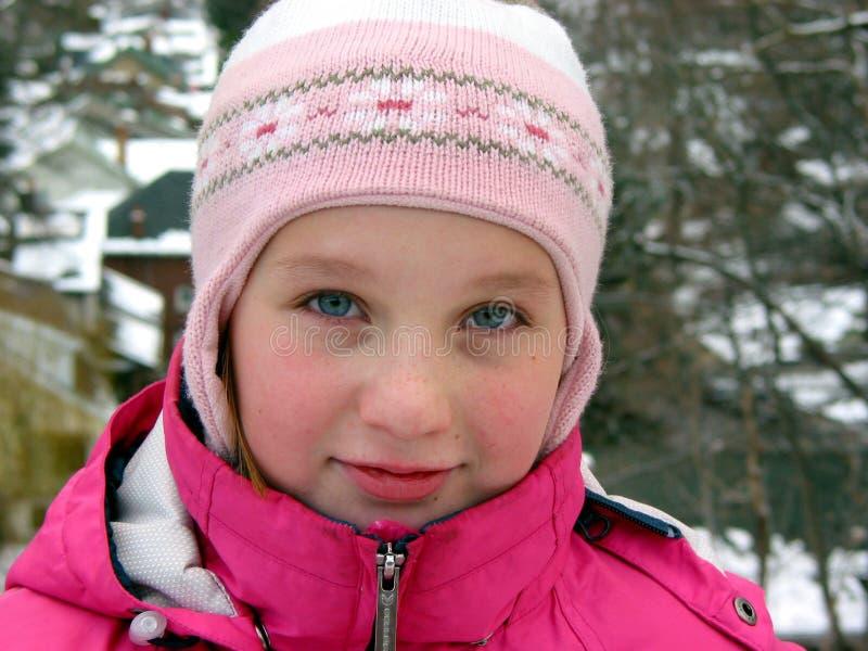 зима портрета шлема девушки стоковая фотография
