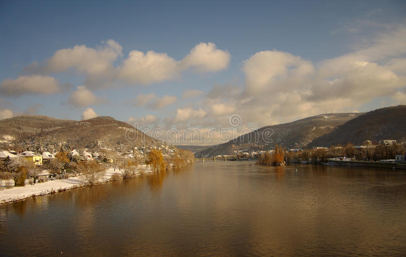 Download зима реки Германии Heidelberg Neckar Стоковое Фото - изображение насчитывающей горизонт, горы: 17604988