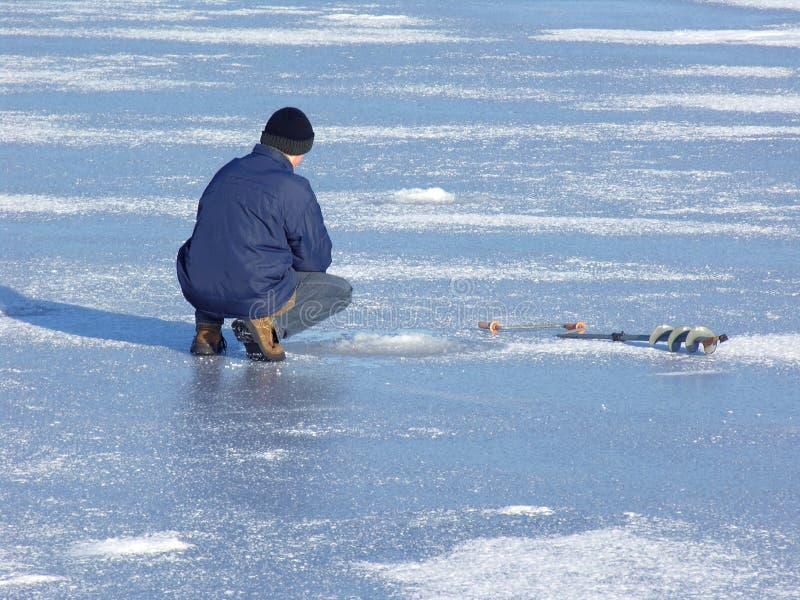 Download зима рыболовства стоковое фото. изображение насчитывающей замораживание - 477038