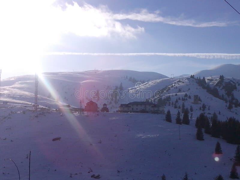 зима солнечного дня mountine стоковое изображение rf