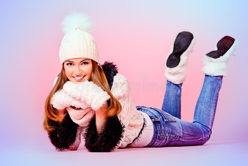зима солнца девушки дня ребенка ся стоковая фотография rf
