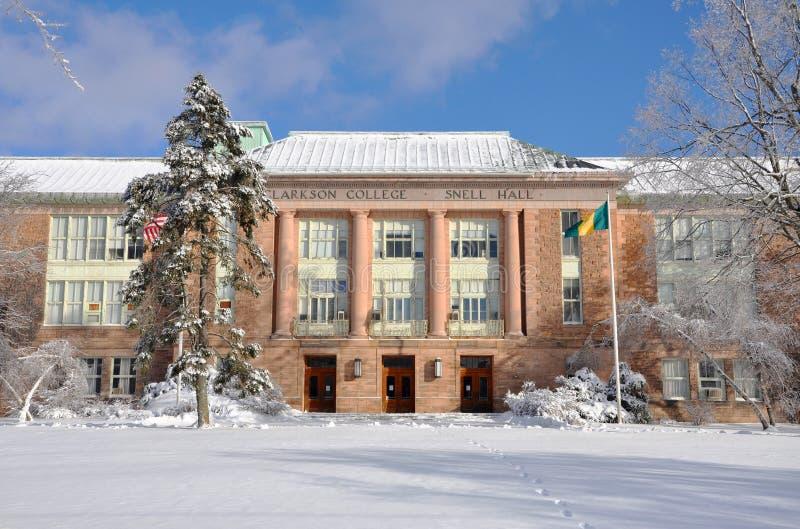 зима университета snell залы clarkson старая стоковое изображение rf