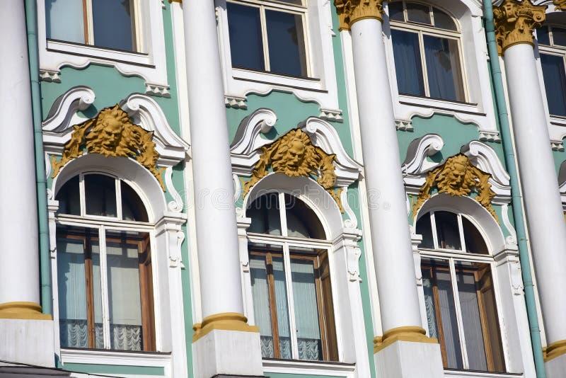 Зимний дворец музея обители в Санкт-Петербурге, России стоковые фотографии rf