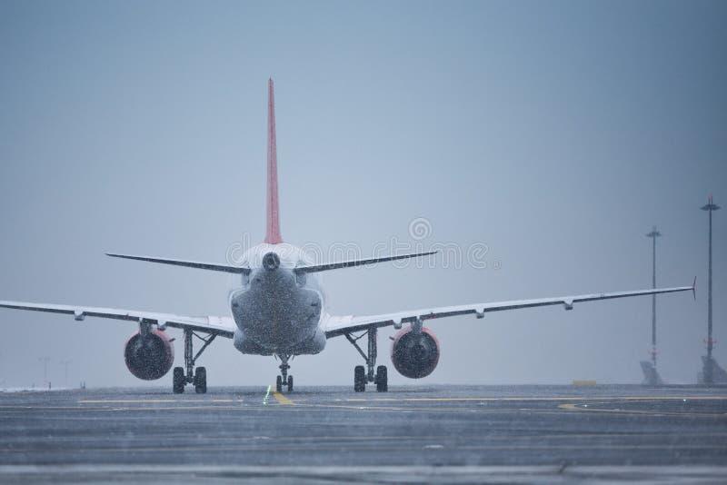 сын василий фото руководителя у самолета зимой менее каждым