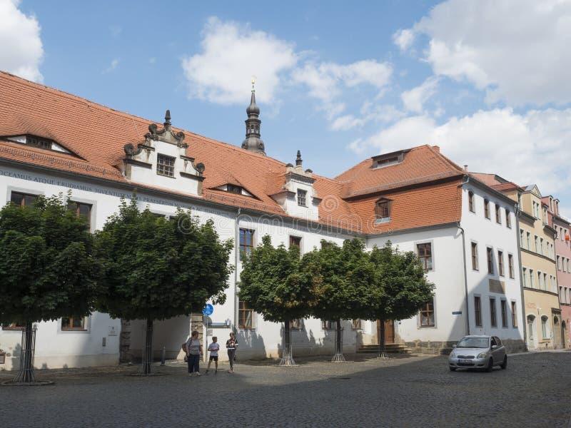 Зиттау, Саксония, Германия, 11 июля 2019 года: Дворец в историческом старом городе Зиттау Летний солнечный день, голубое небо фон стоковое фото