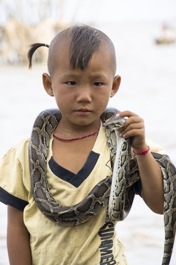 змейка мальчика стоковые фото
