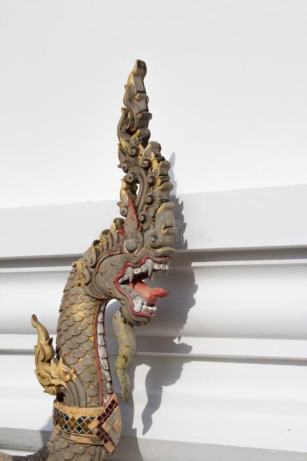 Змей на виске буддизма стоковое изображение