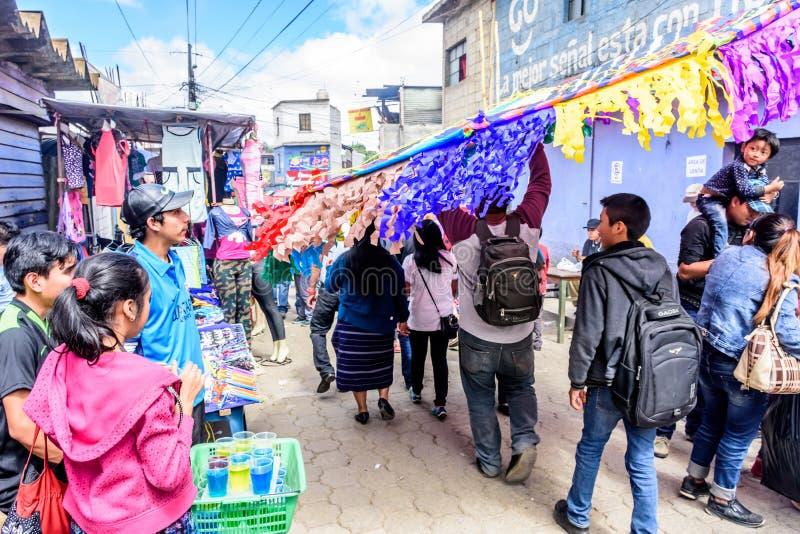 Змей нося в улице на весь день Святых, Сантьяго Sacatepequez стоковые изображения