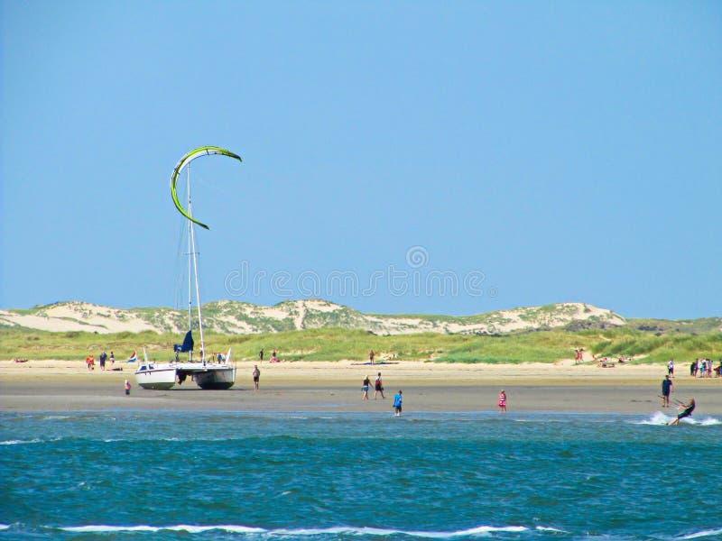 Зме-серфинг в море IJsselmeer Голландии - Ijssel стоковые изображения rf