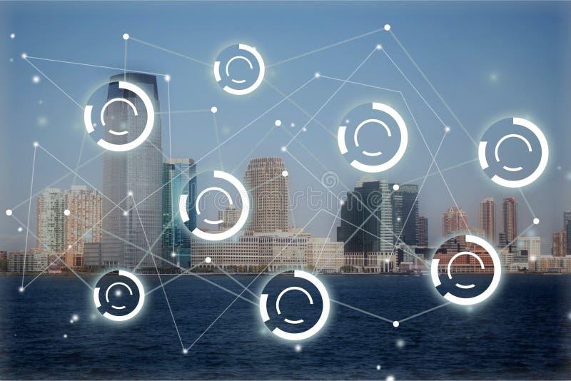 Знаки цифров на предпосылке города стоковые изображения