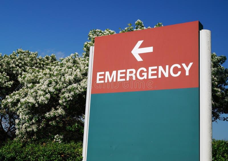 Знак аварийной ситуации больницы стоковые фотографии rf