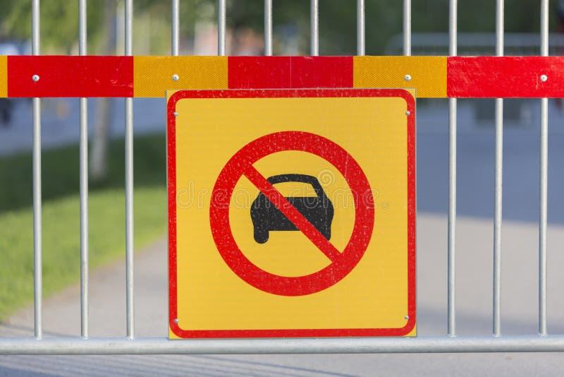 Знак автомобилей позволенный стоковая фотография rf