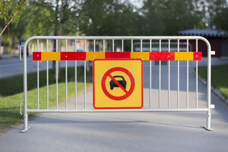 Знак автомобилей позволенный стоковая фотография