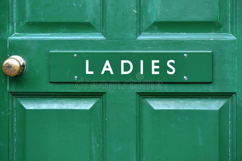 Знак двери туалета дам стоковое фото rf