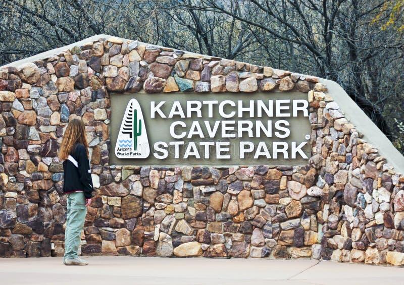 Знак входа, Caverns Kartchner, Benson, Аризона стоковое изображение rf