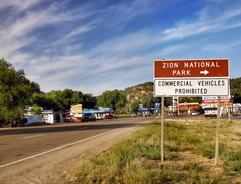 Знак данным по дороги трассы, национальный парк Юта Сиона стоковое изображение