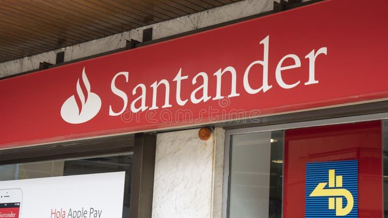 Знак дела банка Сантандера стоковое изображение
