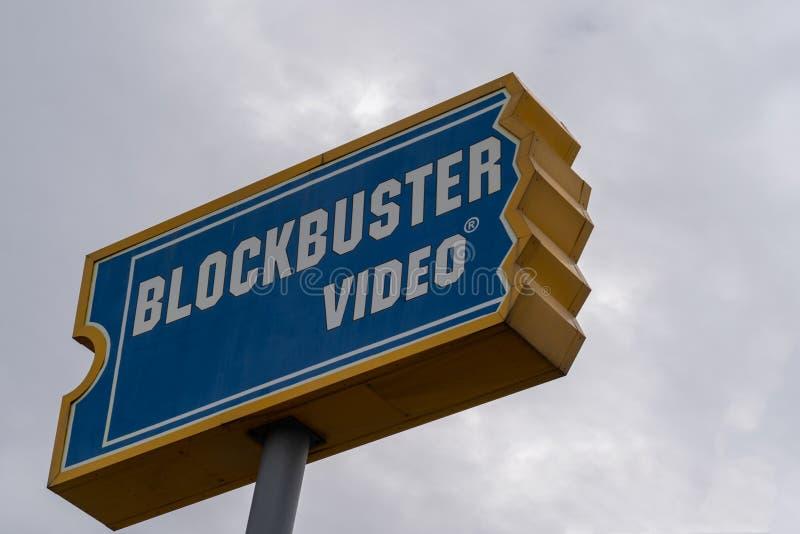 Знак для магазина видео- кино блокбастера арендного Закройте вверх по взгляду, ov стоковые фотографии rf