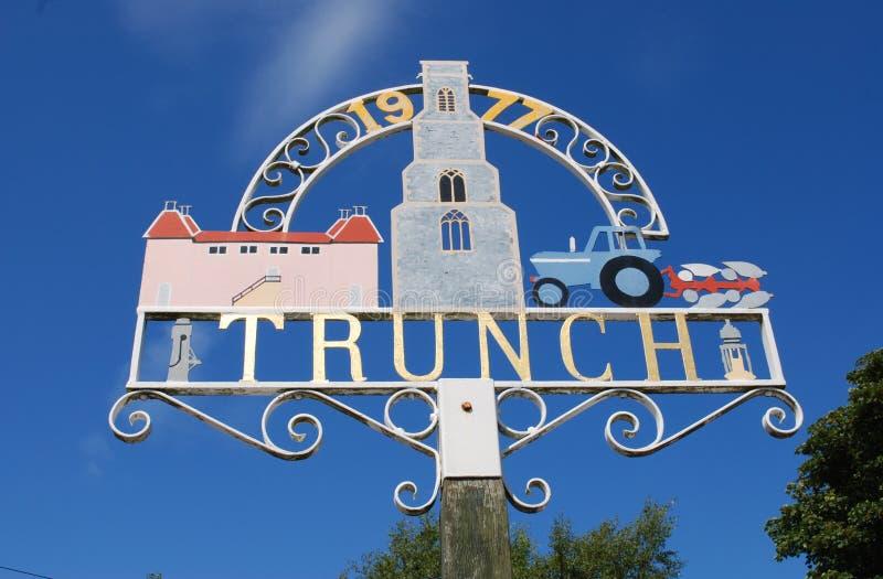Знак деревни Trunch стоковое изображение rf