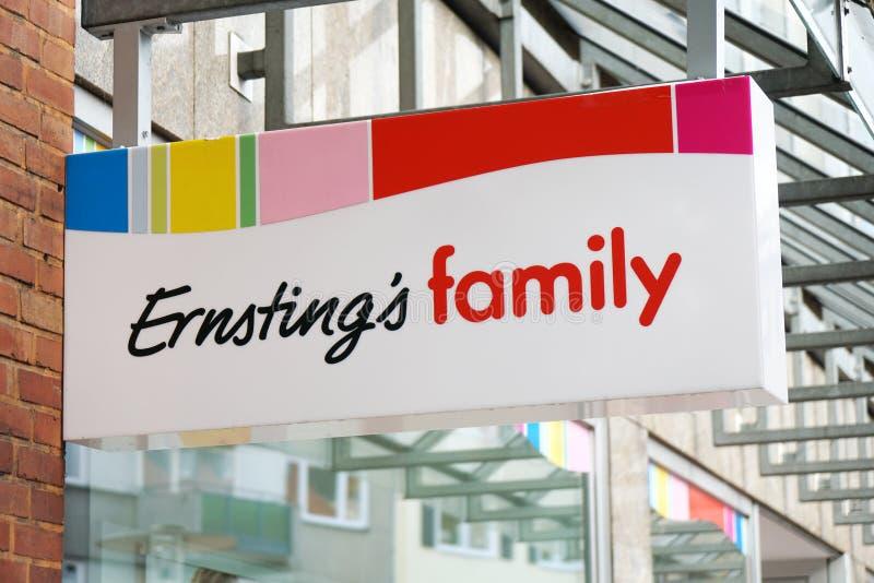 Знак логотипа бренда семьи Ernstings стоковые фото