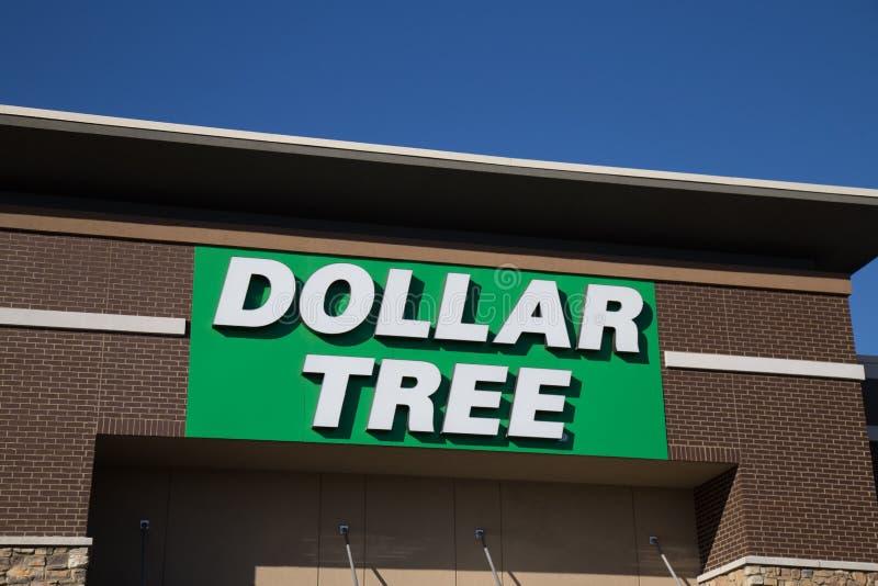 Знак магазина дерева доллара стоковые изображения rf