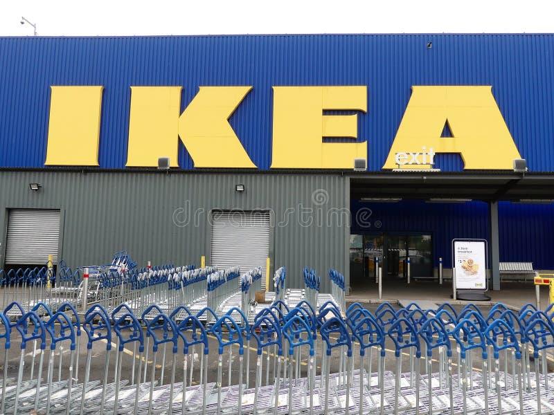 Знак магазина розничной торговли IKEA стоковая фотография rf