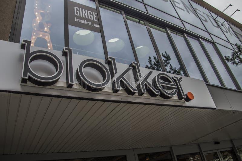 Знак магазина Blokker на Амстердаме Нидерланды стоковое фото