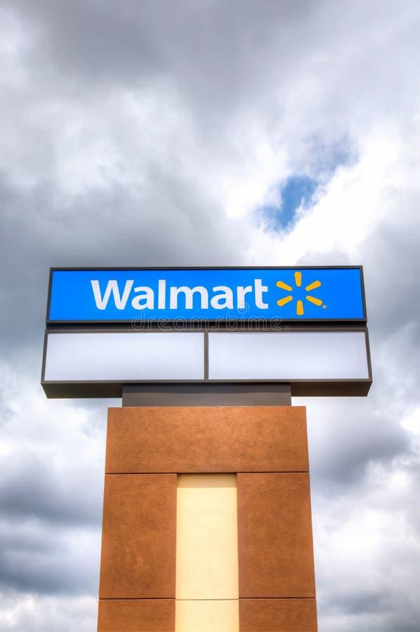 Знак магазина Walmart стоковая фотография rf