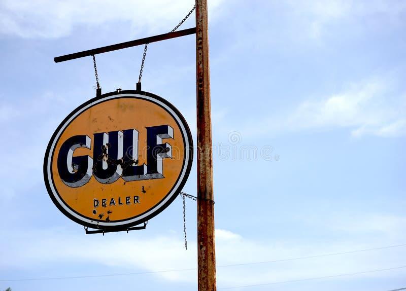 Знак масла залива стоковые фотографии rf