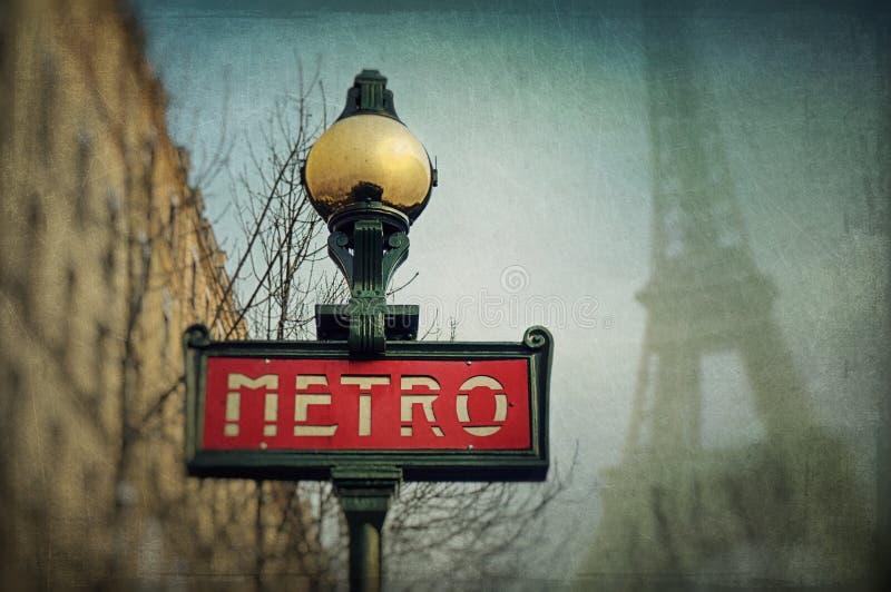 знак метро парижский стоковое фото