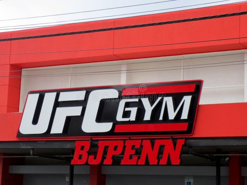 Знак на экстерьере спортзала BJ Пенн UFC стоковая фотография